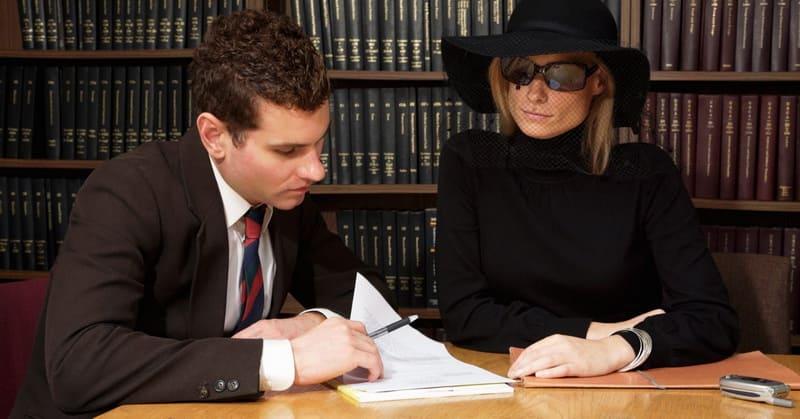 Может ли жена претендовать на наследство мужа: при разводе, после его смерти